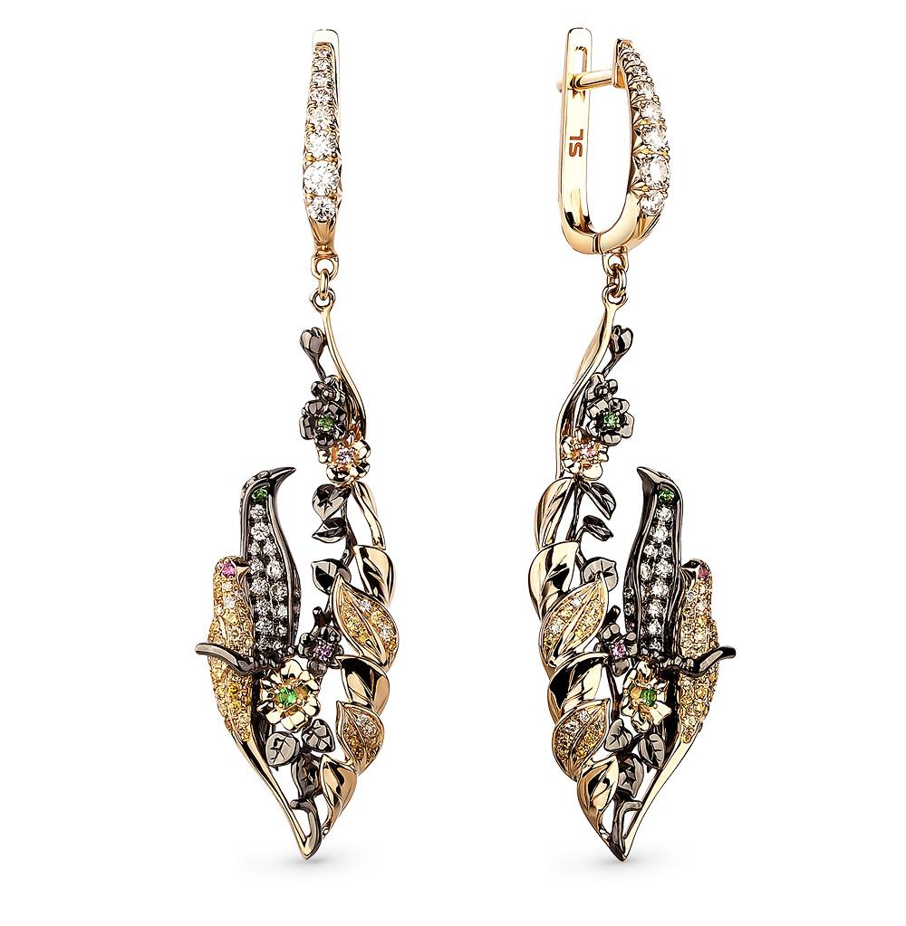 Фото «золотые серьги с бриллиантами, цаворитами и сапфирами»